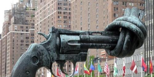ATT-knotted-gun 28.04.12_0.jpg